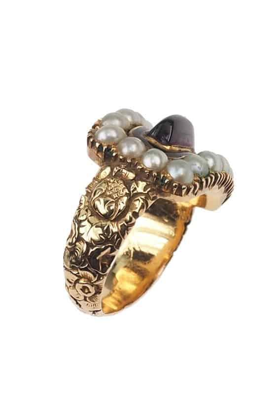 Antique-Jewellery-Berlin-Verlobungsringe-Eheringe-Antikschmuck-Fachgeschäft-in-Berlin-Mitte-Photo-©-2018-Antique-Jewellery-Berlin-Antike-Verlobungsringe-1402a