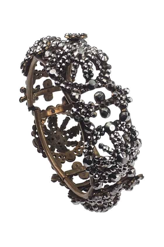 Antique-Jewellery-Berlin-Verlobungsringe-Eheringe-Antikschmuck-Fachgeschäft-in-Berlin-Mitte-Photo-©-2018-Antique-Jewellery-Berlin-Antike-Verlobungsringe-1607b