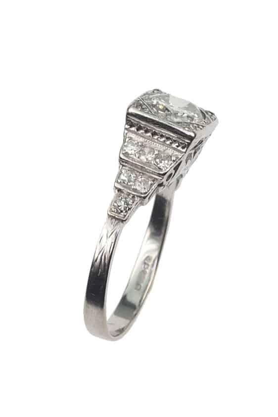 Antiker-Verlobungsring-2404b